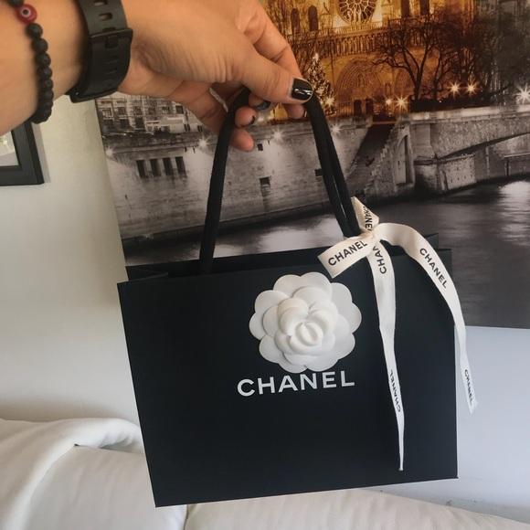 a41efc8eaefc CHANEL Accessories | T2 Shopping Bag | Poshmark